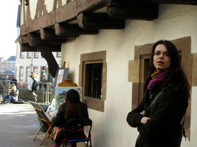 malarz w Petite France w Srasburgu